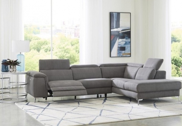 EXECUTIVE LIVINGROOM - SNA-L8256FBR-LPW  2-PC GREY FABRIC SECTIONAL WITH RIGHT CHAISE - CINQUE COLLECTION