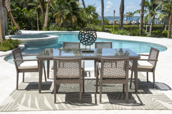 EXECUTIVE - PATIO - PLR-PJO-1801  TABLE AND 6 CHAIRS.