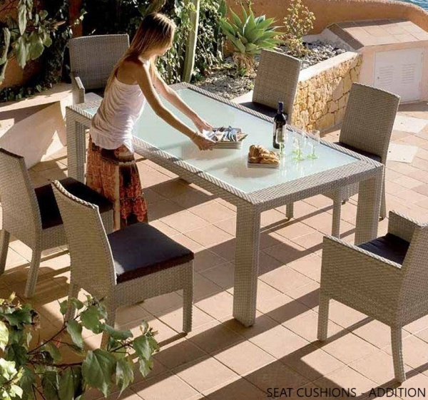 EXECUTIVE - PATIO - PLR-PJO-902  WEATHER WICKER OUTDOOR TABLE AND 6 CHAIRS.