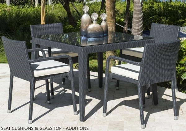 EXECUTIVE - PATIO - PLR-PJO-1901  TABLE AND 4 CHAIRS.